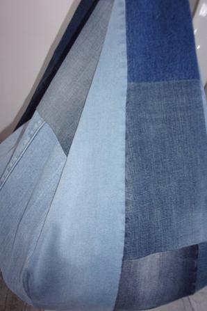 pouf poire en jeans recyclés