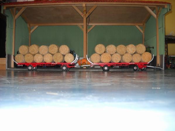 Achat chez Christophe  ( titi67113 )  : 2 plateaux Vanto V700 avec 44 balles de paille