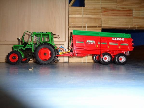 Moisson chez le voisin Albert avec le Deutz 8006 et ma benne Cargo CP120 12.5T