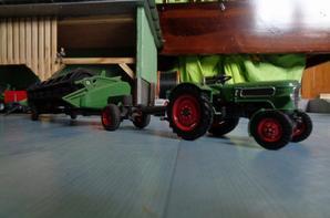 Moisson avec la Moissoneuse Fendt 9470x hybrid et le Fendt Farmer 2 avec la barre de coupe Fendt 9m