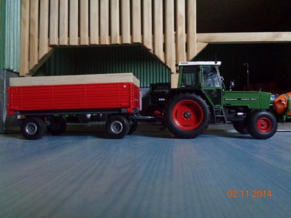 Moisson du maïs avec le Fendt Farmer 306 ls et la benne 4roues 8T