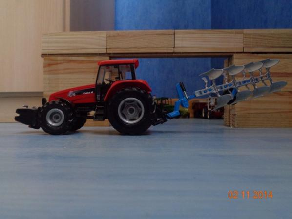 Labour pour les semis de blé et d'orge avec le CaseIH CS 150 et la charrue Lemken 4 corps