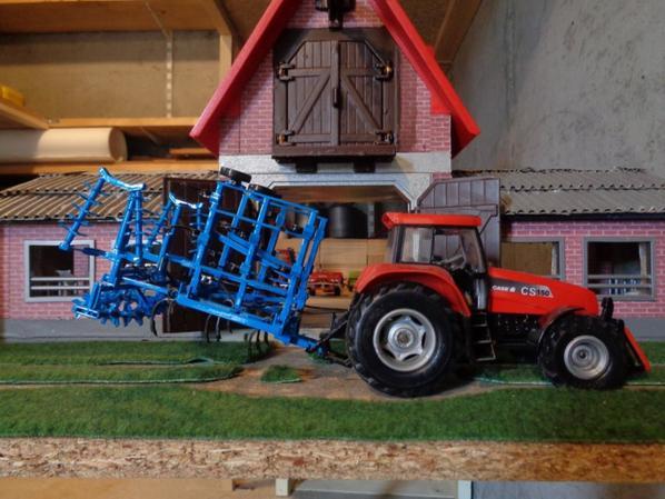 Passage du cultivateur avec le CaseIH CS 150 et le cultivateur Bonnel 4.80m chez le voisin Albert