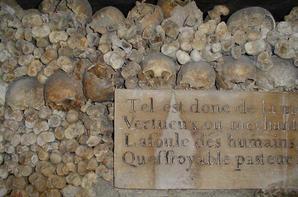 L'ossuaire de la place Denfert Rochereau  (Catacombe de paris) Prt 3