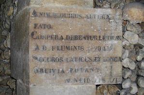L'ossuaire de la place Denfert Rochereau  (Catacombe de paris) Prt 10