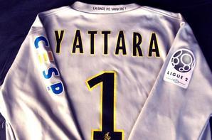 Maillot Naby Yattara,le plus ancien pro encore a l'A.C.A. (80euros)