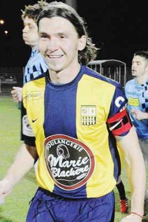 Un des joueurs emblematique de l'A.C.A. , souvent capitaine de l'equipe...