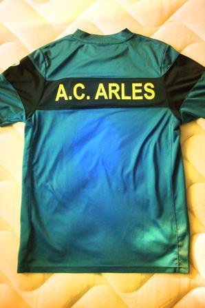 """Superbe maillot d'entrainement """"collector et rare"""" (2009/2010)"""