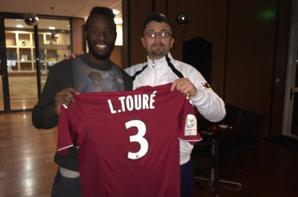 Maillot exterieur de Larsen Touré dedicacé pour moi !! saison (2014/2015)