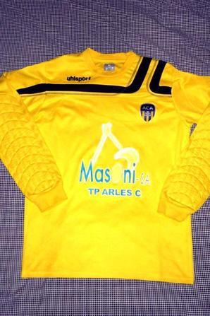 Maillot de gardien Uhlsport (saison 2010/2011) environ.