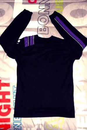 """Et son """"jumeau"""" en noir et violet  (equipe 3 saison 2010/2011)."""