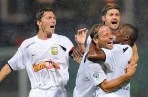 Le voici porté l'unique fois en match,a Clermont...! :)