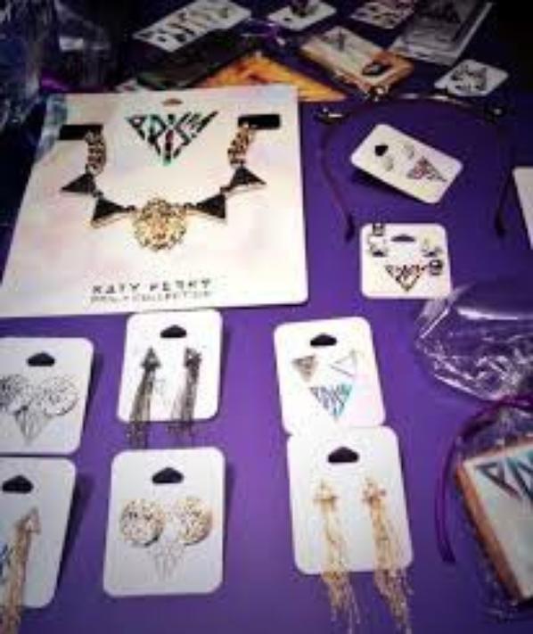 """voici les bijoux """"prism"""" de la collection de katy perry pour claire's <3<3"""