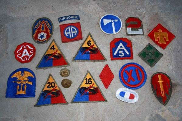 Lot d'insignes US ( 100% original ww2 )
