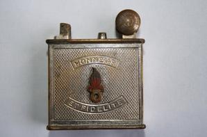 Briquet du 2em Régiment de cavalerie de la Légion époque Indochine ( don de Mr BAIDAL Gérard )
