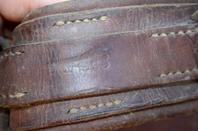 Un belle ensemble de cuire Hypomobile Allemand WW2.