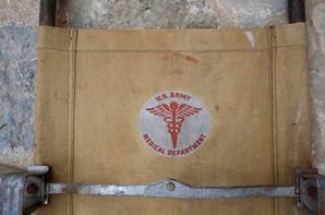 Brancard US , Képi du 7em tirailleur Algérien WW2 et une plaque d'identité Espagnol ( si info sur la plaque )
