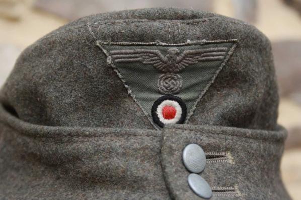 Bergmutze 1942 des Gebirgsjäger. Fabrication fin de guerre 45, montée d'origine !!!