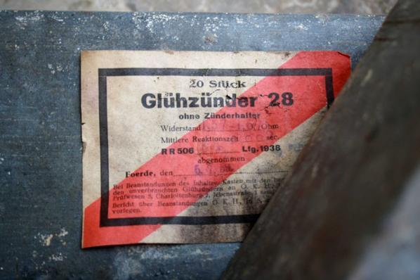 2 boîtes pour détonateur éléctrique Allemand WW2.
