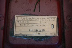 Du lot de Marseille : 2 caisses Allemande et une marmite US de 1940.
