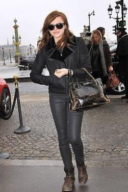 25/02/2013 Chloe arrivant a l'aeroport de Paris Roissy
