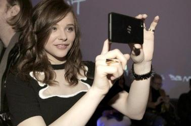 20/03/2013 Chloe Moretz a assiste à BlackBerry Z10 lancement à Los Angeles