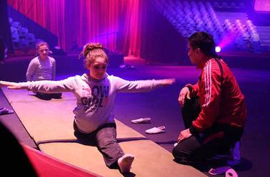 Arlette Gruss > Une fois l école terminée les enfants du cirque
