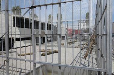 Arlette Gruss > Notre installation de nos cage à fauves