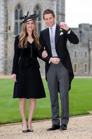 Le 2 décembre 2016, Eddie a été honoré pour ses actions en faveur de l'art dramatique par la Reine Elizabeth II