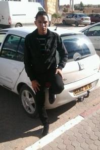 Avec ma nouvelle voiture <3 ............... =D