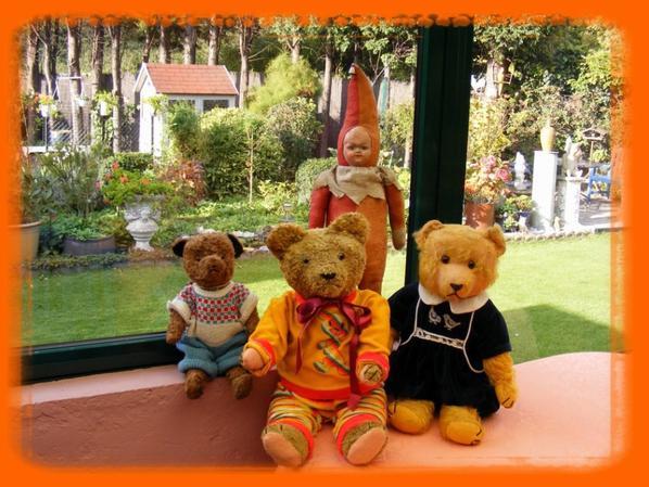 Mes ours couleur automne ,très bonne soirée à vous tous++++