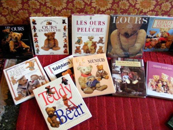 Voici mes livres sur les ours et quelques ours ancien++++
