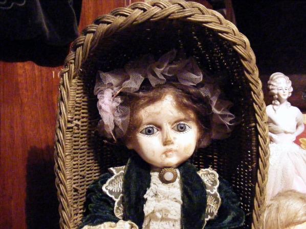 Ma poupée Gertrude vous dit bonjour +++++