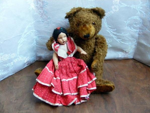 Winston vous montre la poupée de Lenzi double face++++