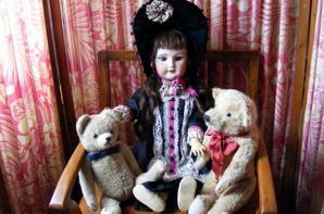 Marie-Françoise en compagnie des ours  pour sa fête+++