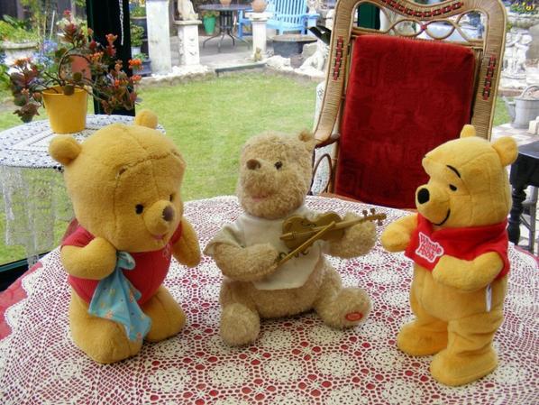 mes 3 ours de Winnie automate vous souhaites un beau dimanche++++