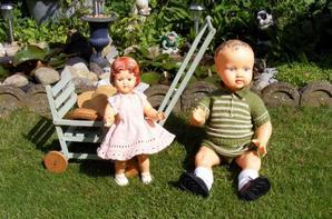 Mes poupées dehors au soleil belle promenade +++