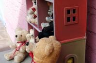 trouvaille la petite maison ,je viens de installé mes petits ours++++