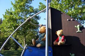 Archibald et Justin au parc par ce beau temps+++++