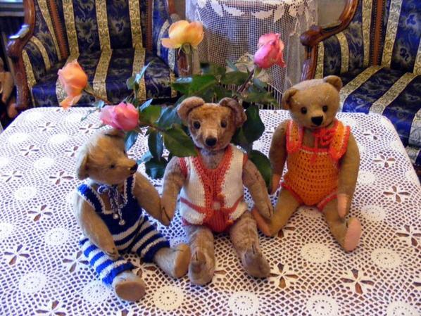 Mon petit trio vous souhaites une belle soirée à vous tous+++++