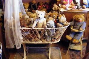 Mon berceaux à trouvé sa place,mes ours sont très heureux+++