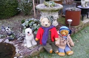 Aujourd'hui il fait très froid mes ours sont bien habillé contre le froid+++