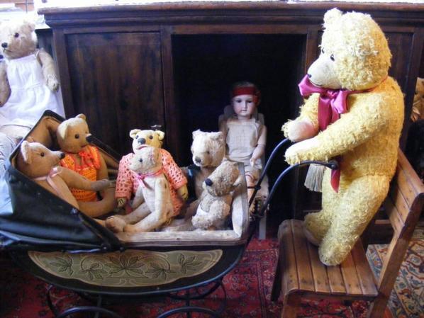 Joris vous montre mes petits ours++++