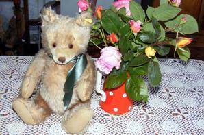 bonne fête à toutes les maman !mon Jacky vous offre le bouquet de roses+++