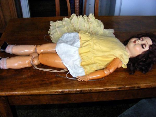 Ma dernière trouvaille une grande poupée made in Belgium à restaurez++++