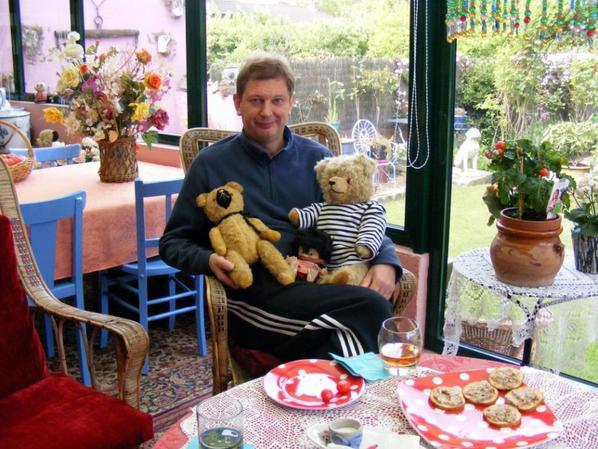 Notre fils avec ces ours petit et maintenant++++
