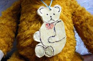 Je vous montre mon ours Hamilton arrivé il y a quelques jours de Allemagne+++