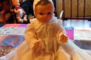 mon Baigneur moulin vous montre la jolie robe de baptême que je viens de trouvé+