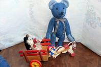 Je vous montre mon petit dernier Enzo un ours de ma création fait dans un vieux jeans.