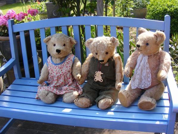 Mon petit trio vous souhaite un agréable journée à vous tous+++
